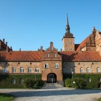 Historien om den unge baronessen og slottet Holckenhavn