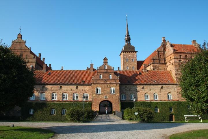 Historien om den unge baronessen og slottetHolckenhavn